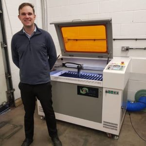 Engraving onto components can be carried out easily and with speed with the inclusive  RDWorks software.